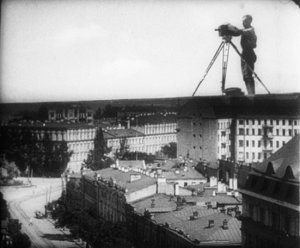 man_with_a_movie_camera_1929_3